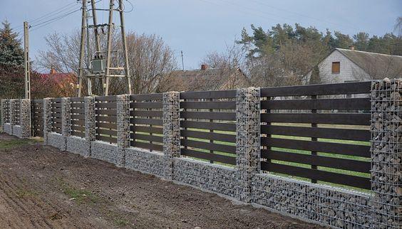 Деревянный горизонтальный забор для дачи с деревянными лагами LNK