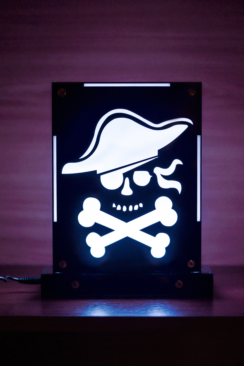 Декоративний настільний нічник Пірат, тіньовий світильник, кілька підсвічувань (на пульті)