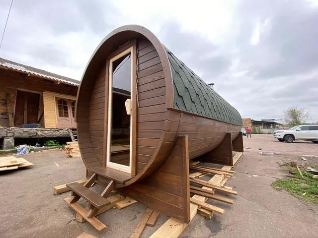 Фото деревянная баня бочка из термодерева
