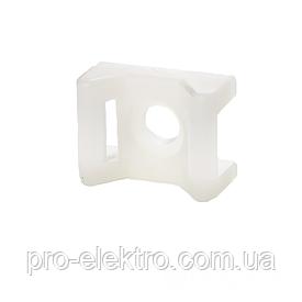 ElectroHouse Площадка под винт для стяжки [хомутов] 6,8 мм 16х22 мм белая нейлон