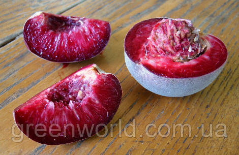 Персик с красной мякотью Эритрокарпа