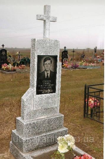 Пам'ятники з мармурової крихти