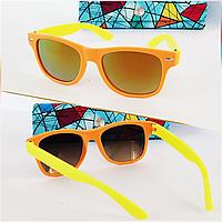 Солнцезащитные детские очки  зеркалки в  матовой оправе