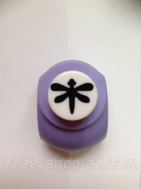 Дырокол фигурный Стрекоза кнопка 1,8 см