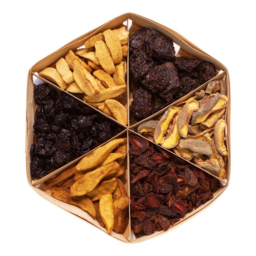 """Подарочный набор сухофруктов """"клубника, груша, вишня, яблоко, слива, персик"""", 395 г"""