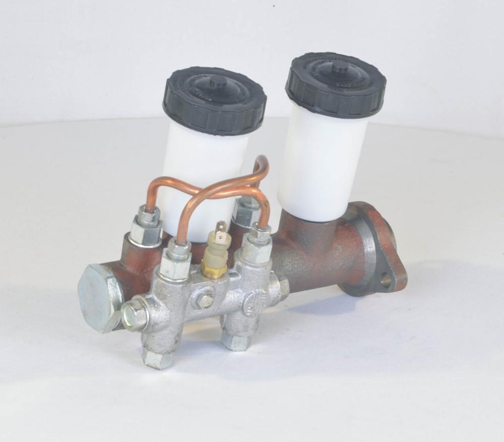 Цилиндр тормозной главный УАЗ 452,469(31512) старого образца-2 бачка+сигнализатор (производство г.Ульяновск) (арт. 469-3505009), rqb1qttr