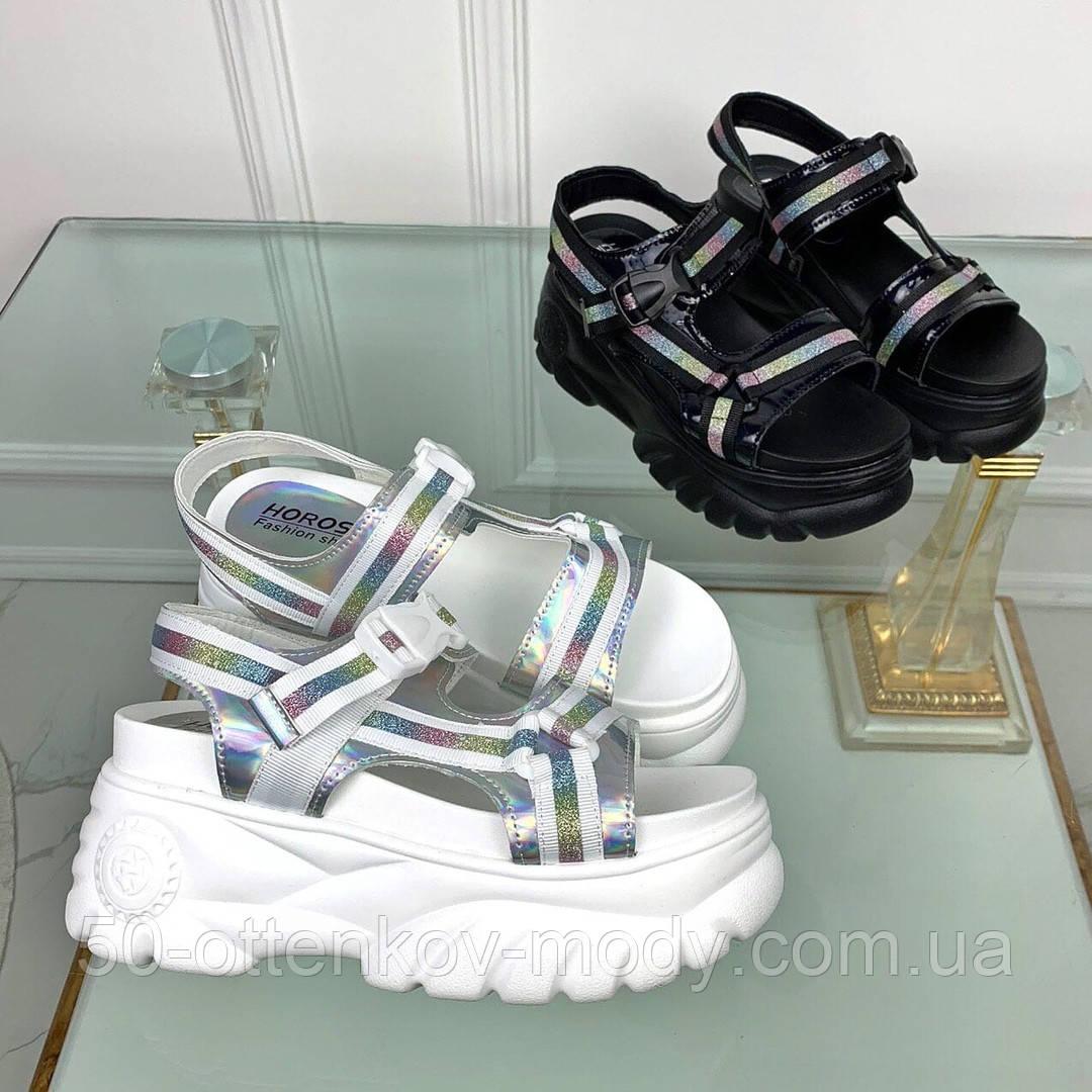 Жіночі босоніжки напівспортивні на липучках,платформа 8 см, білі, чорні