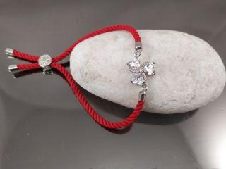 Браслет Цветок 3 лепестка на красном шнурке, цвет платина