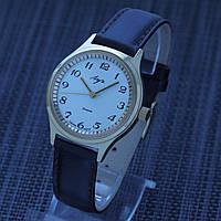 Новые часы Луч СССР 1985 год
