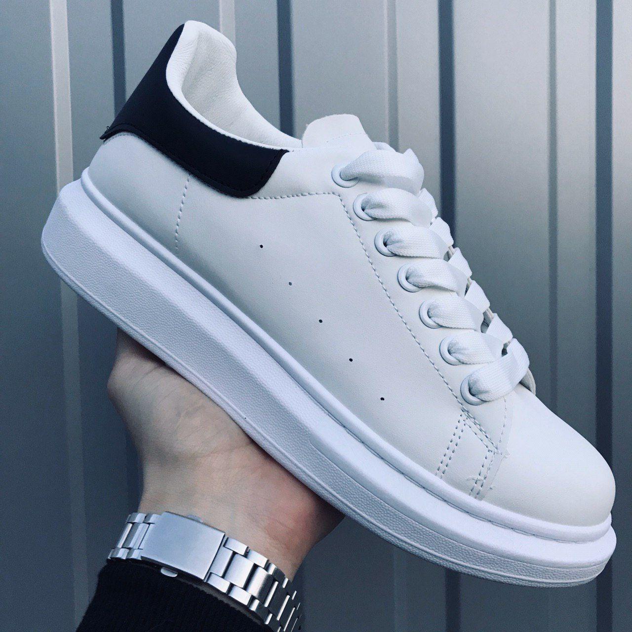 Мужские кроссовки Alexander McQueen White Black / Александр Маквин Белые Черные