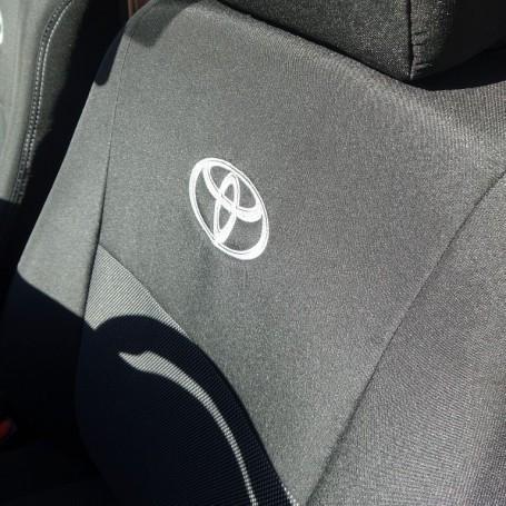 Чехлы модельные Toyota Hilux с 2015 г