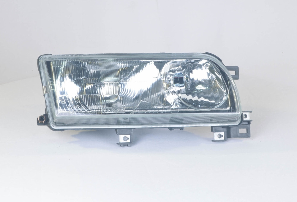 Фара правая Nissan PRIMERA -96 P10 (производство TYC) (арт. 20-5045-A8-2B), rqv1qttr