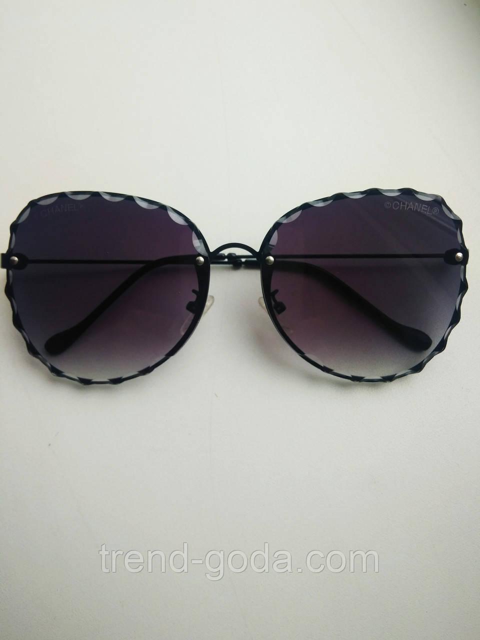 Женские солнцезащитные очки бабочки черные  с градиентом