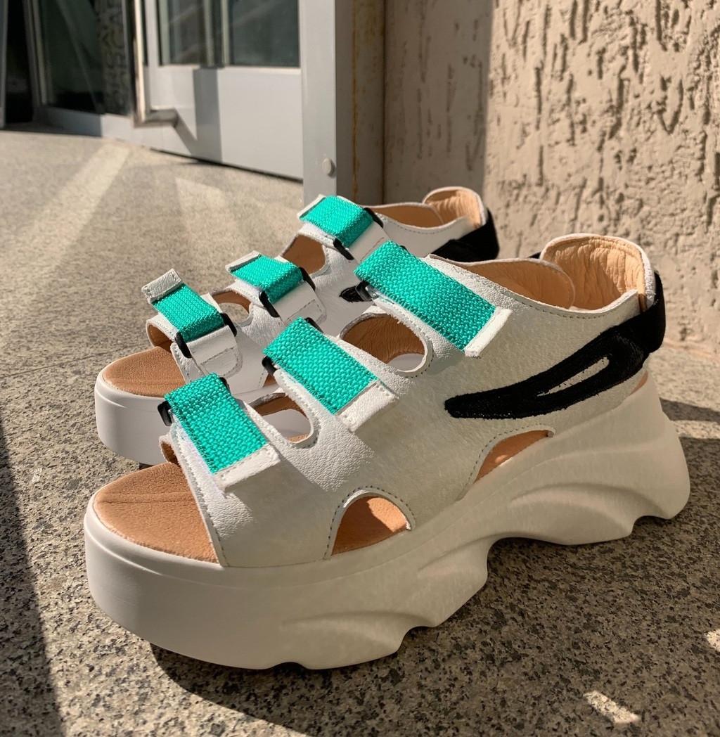Женские сандалии на платформе белые с бирюзовым. Живое фото. Босоножки женские
