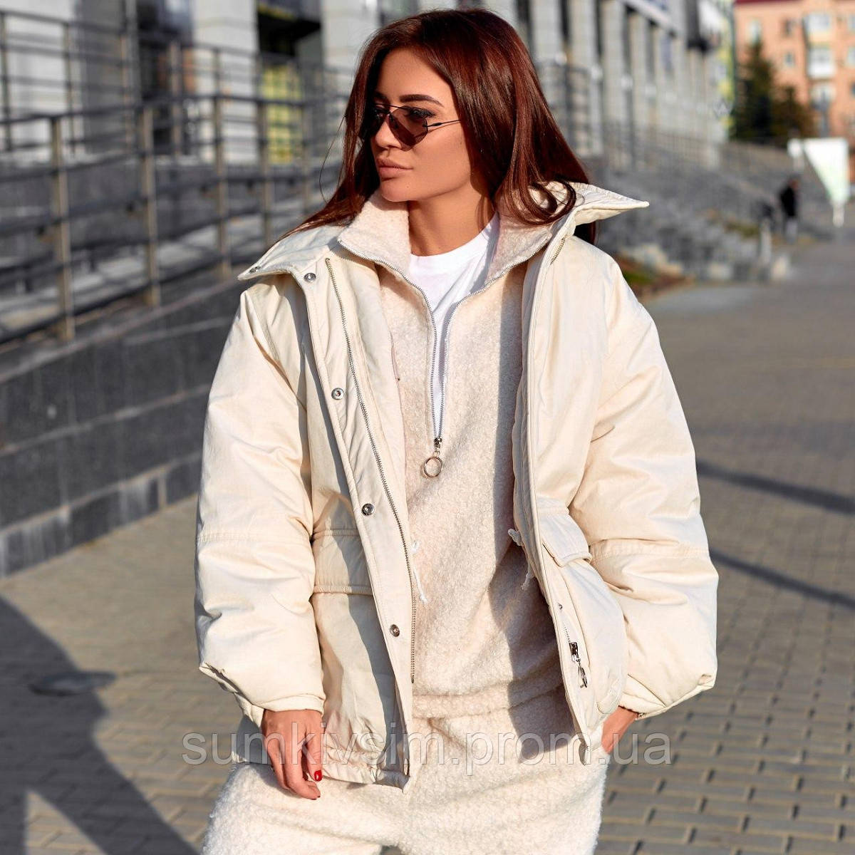 Объемная куртка с накладными карманами