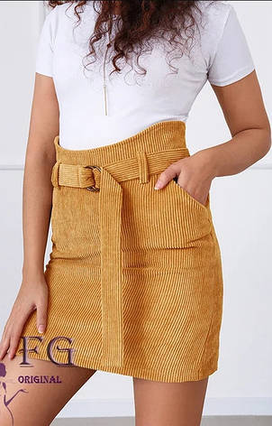 Короткая вельветовая прямая юбка с поясом на талии и карманами песочного цвета, фото 2