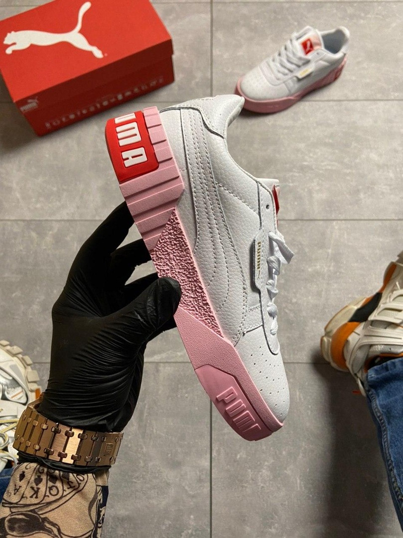 Кросівки Puma жіночі Cali White and Pink Sole.