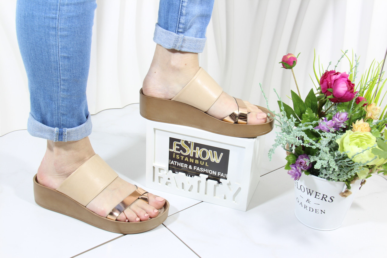 Светлые женские шлепанцы 4shoes 08761-Wore-Creme
