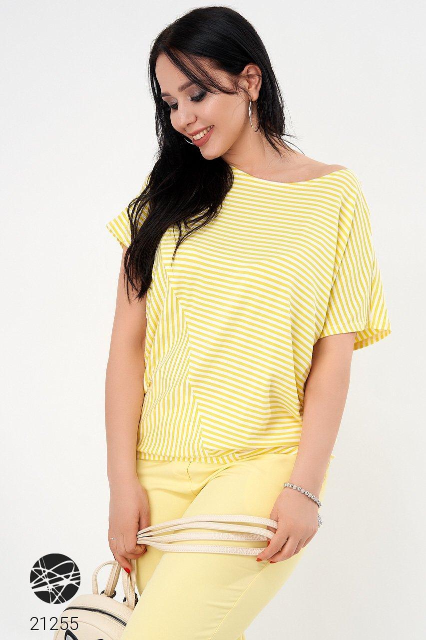 Желтая футболка в полоску. Модель 21255. Размеры 50-56