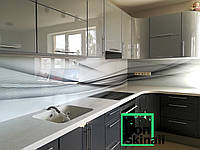 Кухонный фартук из стекла (скинали)