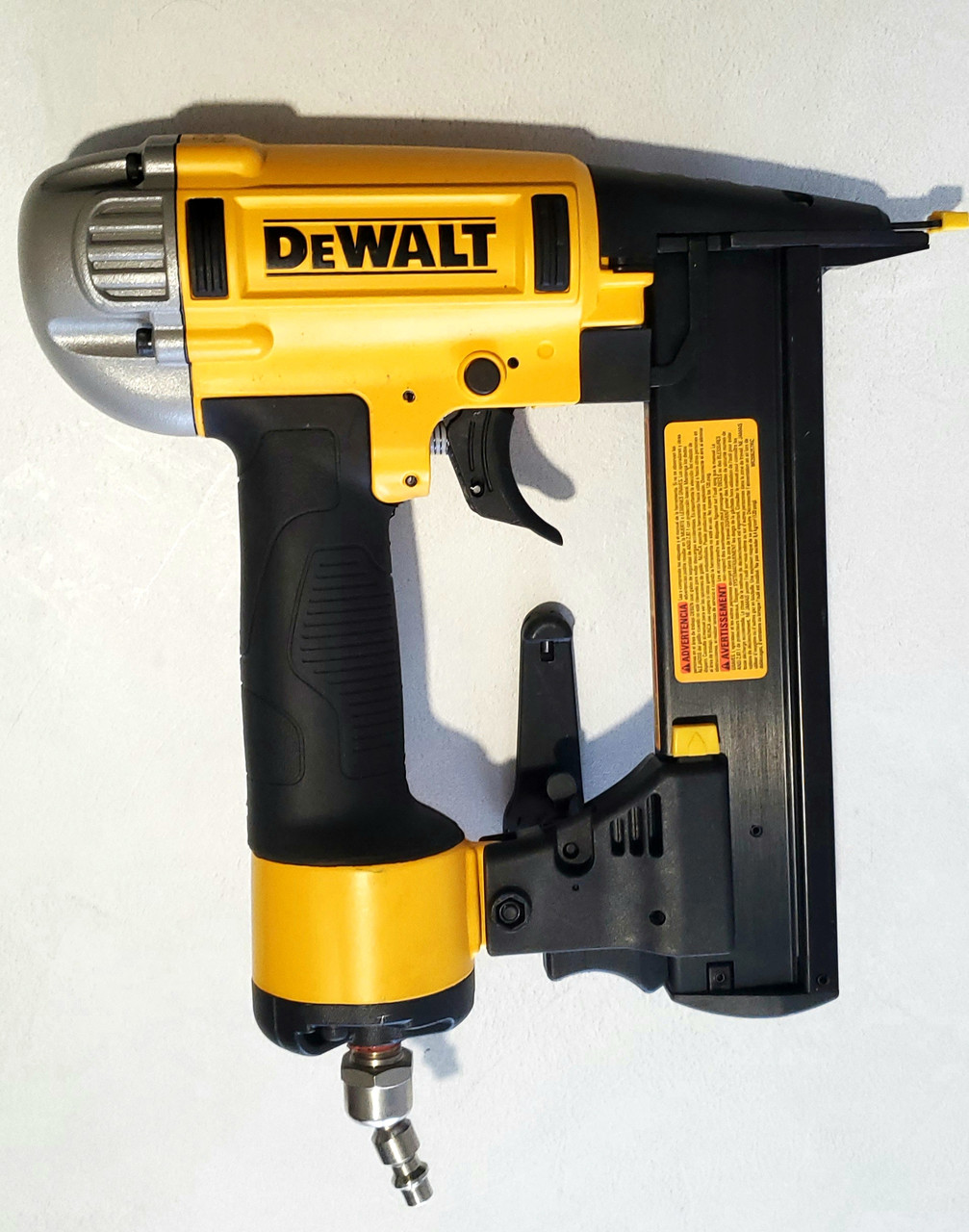 Финишный степлер DEWALT DWFP1838