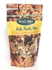 Микс орехов и фруктов миндаль, миндаль, изюм, грецкий орех, клюква. ТМ Nuts Bag 200 гр.
