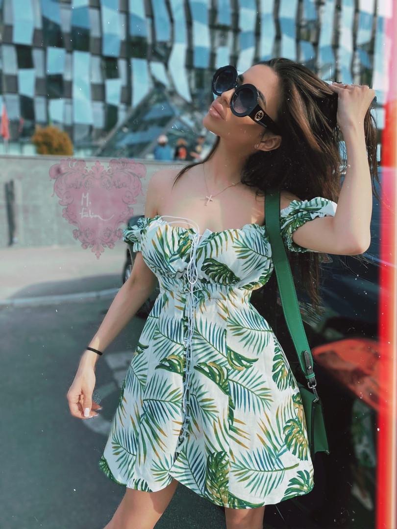 Коттоновое летнее платье с открытыми плечами и завышенной талией на шнуровке спереди vN7796