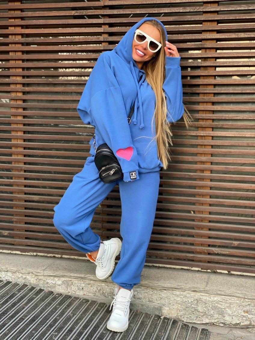 Плюшевый женский спортивный костюм с объемной свободной кофтой худи vN7805