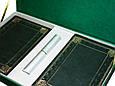 """Подарочный набор аксессуаров """"Бизнес"""": ежедневник А5 кожаный, визитница настольная кожаная и ручка в футляре, фото 3"""