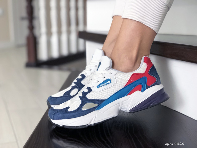 Женская обувь, Кроссовки Adidas женские в Украине, Adidas Adidas Falcon замша