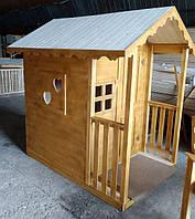 Детский игровой домик из дерева с резьбой, сердечками и навесом 1.9х1.4
