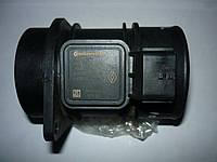 Расходомер воздуха Renault Trafic / Vivaro 2.0 / 2.5dci 06> (OE RENAULT 8200280060)
