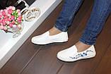 Слипоны женские белые с вышивкой Сакура Т1013, фото 4
