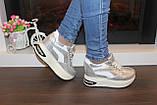 Сникерсы кроссовки женские серебристые с белыми вставками Т1022, фото 5