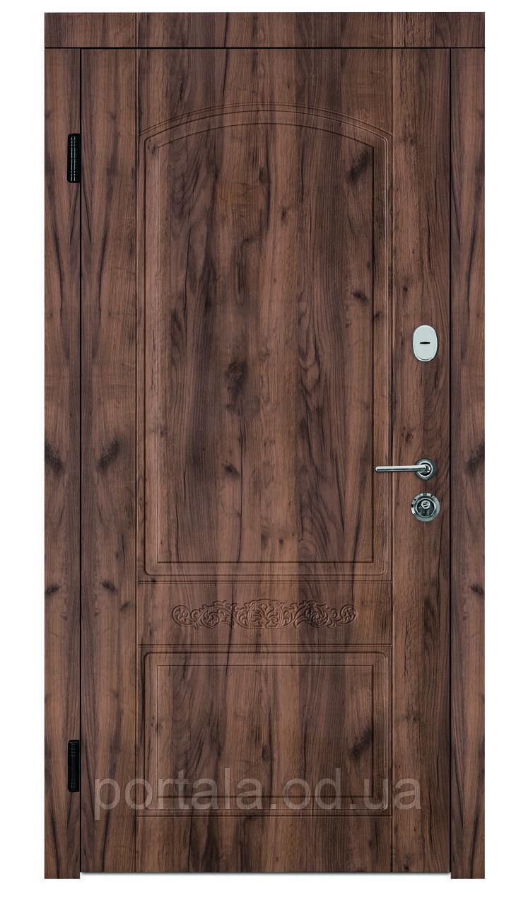 """Входная дверь для квартиры """"Портала"""" (серия Комфорт) ― модель Каприз"""