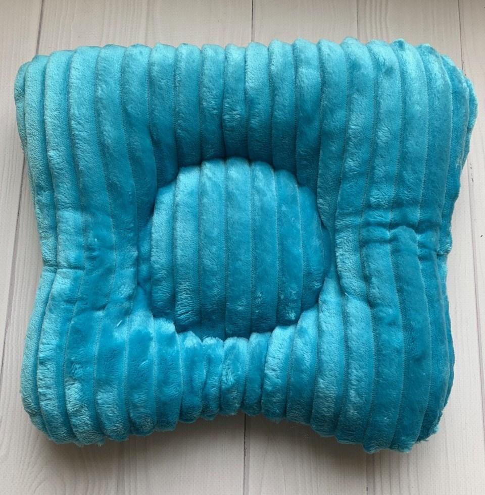 Подушка на кушетку - БИРЮЗОВАЯ шарпей