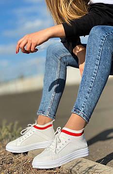 Кроссовки-носки со шнуровкой белые