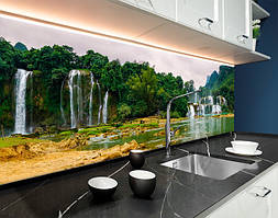 Пластиковый кухонный фартук Водопад у подножья Горы (ПВХ панель для кухни с фотопечатью, скинали) природа зеленый, 620*2050 мм