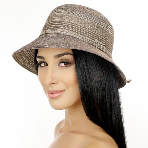 Коричневая летняя шляпа с небольшими полями