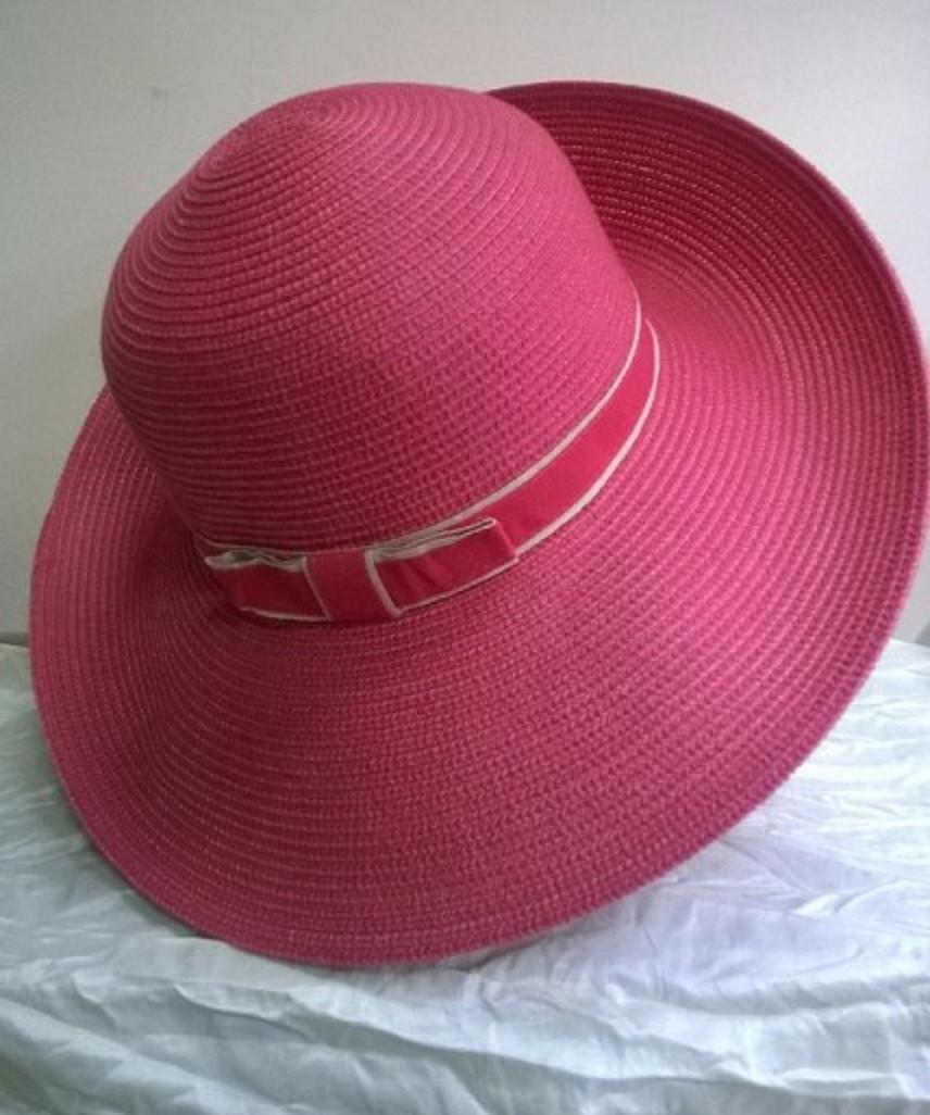Женская шляпка для летнего сезона   цвет- красный