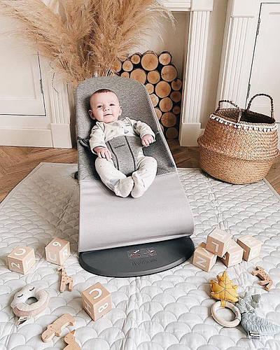 Незаменимый детский аксессуар - кресло шезлонг BABYBJÖRN