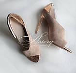Женские босоножки на каблуке черно бежево золотые, фото 2
