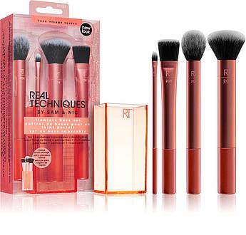 Набор из 4 кистей для макияжа Real Techniques Flawless Base Set с подставкой
