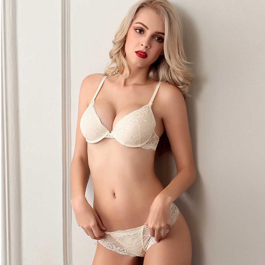 Комплект женского нижнего белья  Lux4ika размер 80A классический с нежным кружевами Кремовый (n-828)