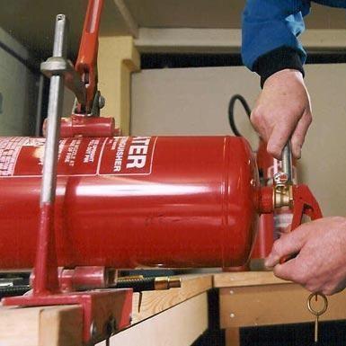 Технічне обслуговування первинних засобів пожежогасіння порошкові, газові вогнегасники Goobkas