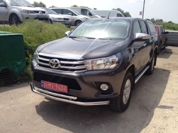 Защита переднего бампера Toyota Hilux 2016+ 60/42