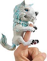 Інтерактивний вовк WowWee Untamed Dire Wolf by Fingerlings – Blizzard (White and Blue) (3962) (B07NF193VZ)