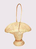 Плетеная цветочная корзина из лозы