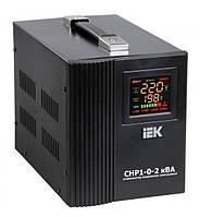 Стабилизатор напряжения релейный IEK HOME СНР1-0-2 кВА (1,6 кВт, переносной)