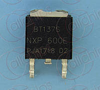 Симистор 8А 600В NXP BT137S-600E TO252